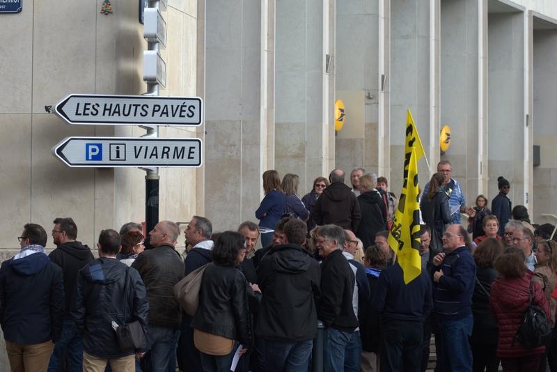 Rassemblement le 18 octobre devant le centre financier de nante - Centre financier la poste lyon ...